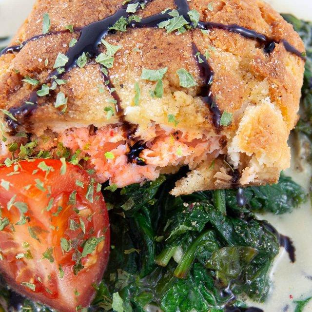 Rezept: Lachs im Teigmantel mit Spinat