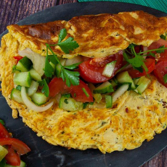 Rezept: Omelett mit türkischem Salat