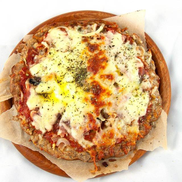 Low Carb Rezept: Leinsamenpizza