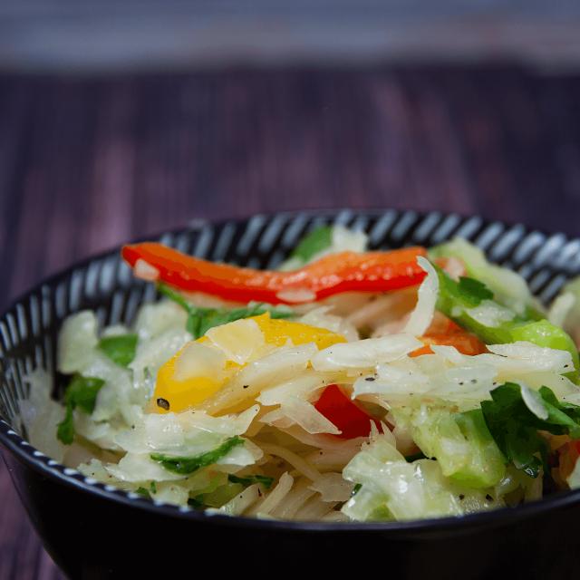 Low Carb Rezept: griechischer Krautsalat